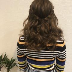 ハーフアップ ヘアセット フェミニン セミロング ヘアスタイルや髪型の写真・画像