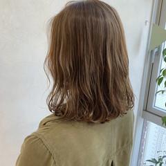 カーキアッシュ ミルクティーベージュ カーキ アッシュベージュ ヘアスタイルや髪型の写真・画像