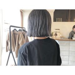 ハイトーンカラー ナチュラル アッシュグレー アッシュグレージュ ヘアスタイルや髪型の写真・画像