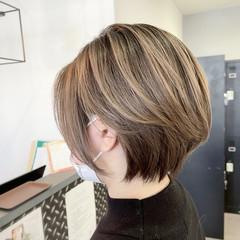 ハンサムショート ショートボブ ヌーディベージュ 外国人風カラー ヘアスタイルや髪型の写真・画像