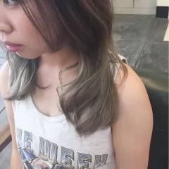 ダークアッシュ セミロング ガーリー グラデーションカラー ヘアスタイルや髪型の写真・画像