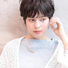 アンニュイほつれヘア パーマ ショートボブ ショート ヘアスタイルや髪型の写真・画像
