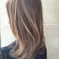 ハイトーン ハイライト 色気 ボブ ヘアスタイルや髪型の写真・画像