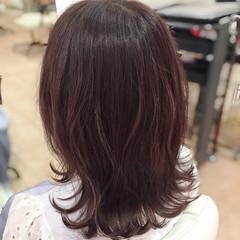 セミロング 外ハネ ピンク イルミナカラー ヘアスタイルや髪型の写真・画像