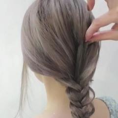 透明感 ミルクティー グレージュ ナチュラル ヘアスタイルや髪型の写真・画像