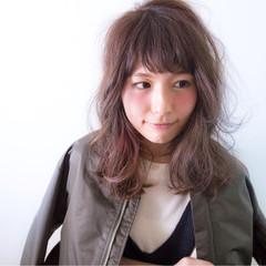 ストリート ニュアンス セミロング 外国人風 ヘアスタイルや髪型の写真・画像
