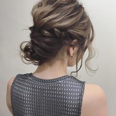 フェミニン リラックス 透明感 オフィス ヘアスタイルや髪型の写真・画像