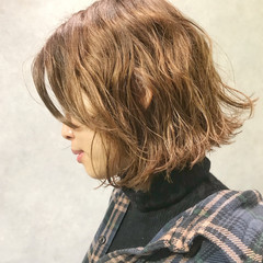 アンニュイほつれヘア ゆるふわ 大人かわいい ウェーブ ヘアスタイルや髪型の写真・画像