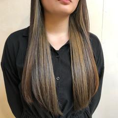 小顔ヘア サラサラ ツヤツヤ 髪質改善 ヘアスタイルや髪型の写真・画像