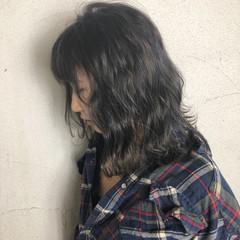 グレージュ 透明感 ブリーチ モード ヘアスタイルや髪型の写真・画像