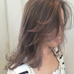 グレージュ グラデーションカラー 外国人風 アッシュ ヘアスタイルや髪型の写真・画像