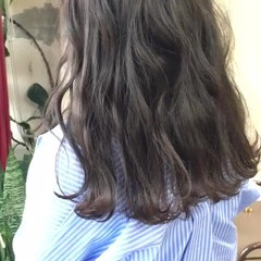 グレージュ ヘアカラー セミロング ヘアアレンジ ヘアスタイルや髪型の写真・画像
