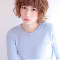 オン眉 卵型 ストリート ショート ヘアスタイルや髪型の写真・画像