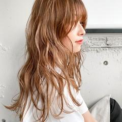 ベージュカラー ミディアム ミルクティーベージュ パーマ ヘアスタイルや髪型の写真・画像