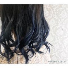 暗髪 バレイヤージュ ミディアム ネイビーブルー ヘアスタイルや髪型の写真・画像