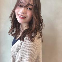セミロング ヘアアレンジ ナチュラル イルミナカラー ヘアスタイルや髪型の写真・画像