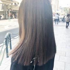アッシュグレージュ ブリーチ ホワイトブリーチ フェミニン ヘアスタイルや髪型の写真・画像