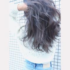 ハイライト ロング ナチュラル レイヤーロングヘア ヘアスタイルや髪型の写真・画像