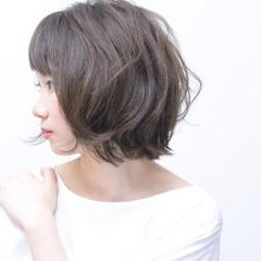 パーマ フェミニン 毛先パーマ ミディアム ヘアスタイルや髪型の写真・画像