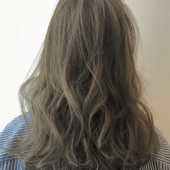 オフィス ナチュラル ウェーブ セミロング ヘアスタイルや髪型の写真・画像