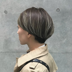 マッシュヘア ショート ハイライト コントラストハイライト ヘアスタイルや髪型の写真・画像