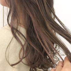 グラデーションカラー ロング ウェーブ ピンクアッシュ ヘアスタイルや髪型の写真・画像