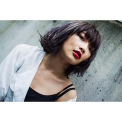 ショート ローライト 外国人風 ラフ ヘアスタイルや髪型の写真・画像
