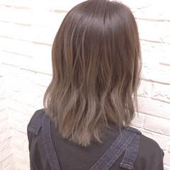 グラデーションカラー 外国人風カラー ゆるふわ ベージュ ヘアスタイルや髪型の写真・画像
