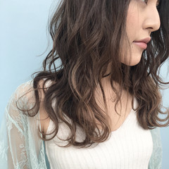 アッシュ ロング 冬 グラデーションカラー ヘアスタイルや髪型の写真・画像