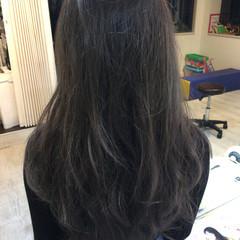 ロング 冬 ガーリー グレーアッシュ ヘアスタイルや髪型の写真・画像