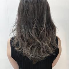 外国人風 圧倒的透明感 グラデーションカラー ロング ヘアスタイルや髪型の写真・画像