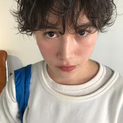 ショート ショートボブ くせ毛風 ナチュラル ヘアスタイルや髪型の写真・画像