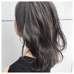 セミロング 外国人風 ハイライト 斜め前髪 ヘアスタイルや髪型の写真・画像