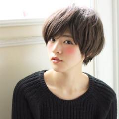 小顔 ショート 大人女子 アッシュ ヘアスタイルや髪型の写真・画像