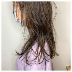ナチュラル 極細ハイライト ハイライト ロング ヘアスタイルや髪型の写真・画像