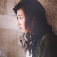 ウェーブ セミロング モード 暗髪 ヘアスタイルや髪型の写真・画像