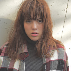 ハイライト 外国人風 グレージュ ストリート ヘアスタイルや髪型の写真・画像