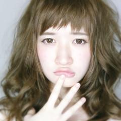 セミロング ガーリー フェミニン 大人かわいい ヘアスタイルや髪型の写真・画像