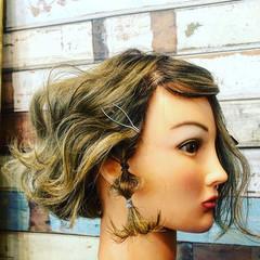ガーリー 極細ハイライト ボブ ヘアアレンジ ヘアスタイルや髪型の写真・画像