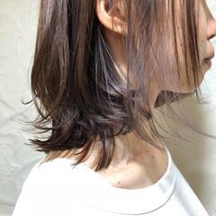ミディアム インナーカラー ラベンダーカラー インナーカラーホワイト ヘアスタイルや髪型の写真・画像