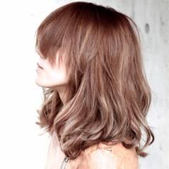 ミディアム ストリート 秋 外国人風 ヘアスタイルや髪型の写真・画像