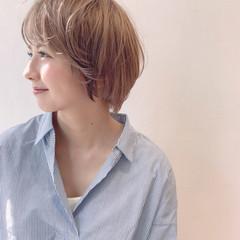 ハイトーンカラー ベージュ ショート 透け感 ヘアスタイルや髪型の写真・画像