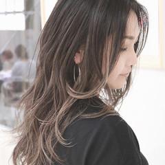ロング グラデーションカラー ハイライト ナチュラル ヘアスタイルや髪型の写真・画像