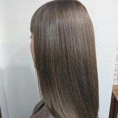 グラデーションカラー コントラストハイライト フェミニン ロング ヘアスタイルや髪型の写真・画像