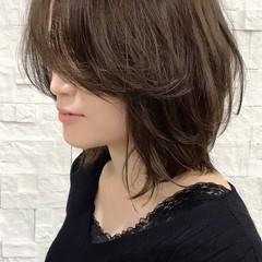 ミディアム ナチュラル ラフ レイヤーカット ヘアスタイルや髪型の写真・画像