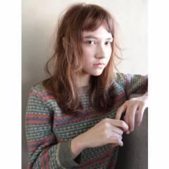 オン眉 ストレート ストリート 外国人風 ヘアスタイルや髪型の写真・画像