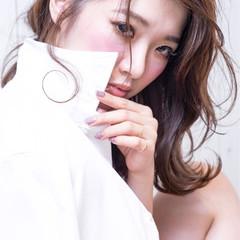 ミディアム ハーフアップ コンサバ パーマ ヘアスタイルや髪型の写真・画像