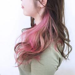 ピンク くせ毛風 ガーリー レッド ヘアスタイルや髪型の写真・画像