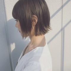 インナーカラー アッシュグレージュ ストリート ボブ ヘアスタイルや髪型の写真・画像