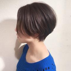 小顔ショート ショート ショートヘア アッシュ ヘアスタイルや髪型の写真・画像